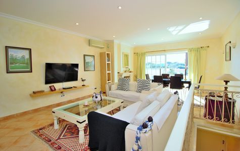 LOVELY 2 BEDROOM APARTMENT IN VALE DO LOBO