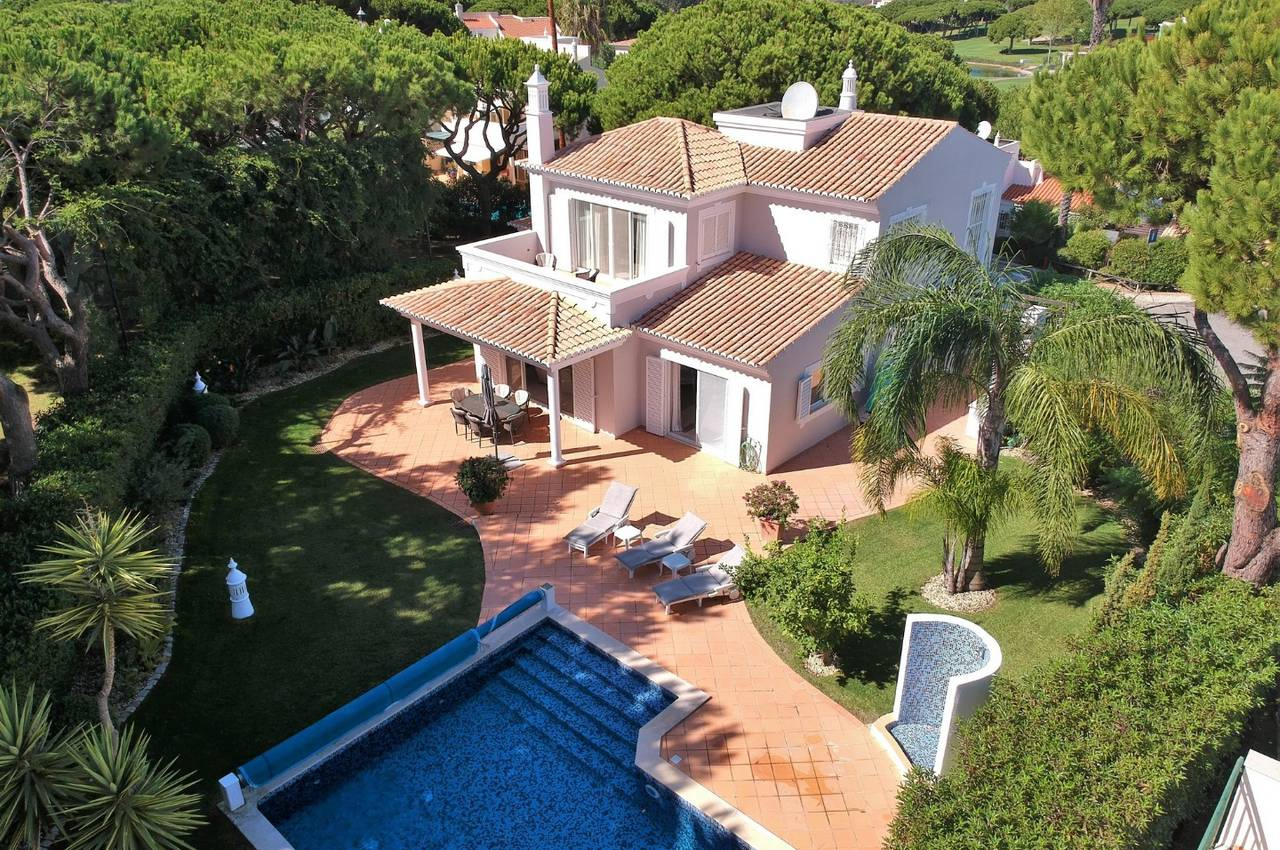 GOLF FRONTLINE 3 BEDROOM VILLA IN VALE DO LOBO