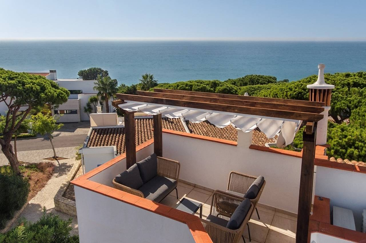 CHARMING 3 BED LINKED-VILLA NEAR THE BEACH