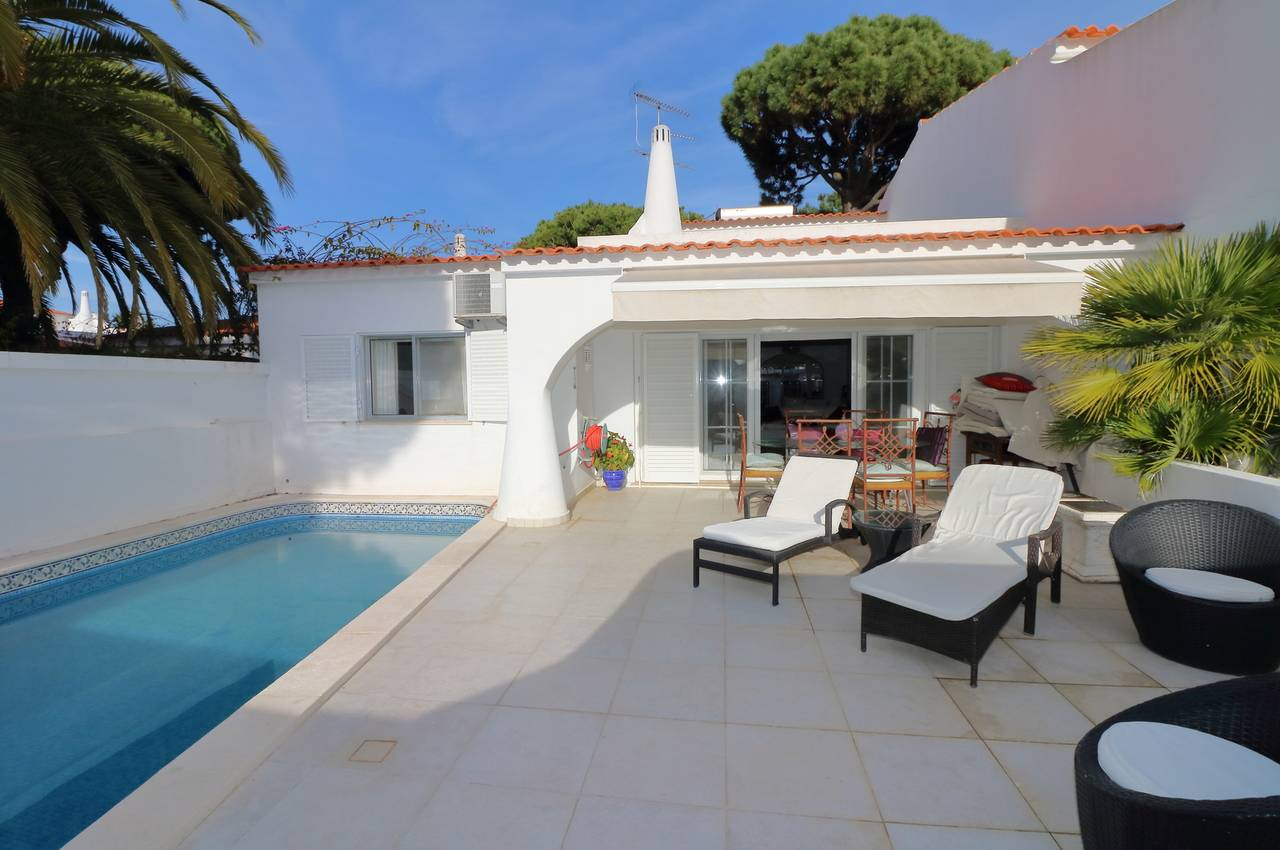 TRADITIONAL 3 BED LINKED-VILLA WITH POOL