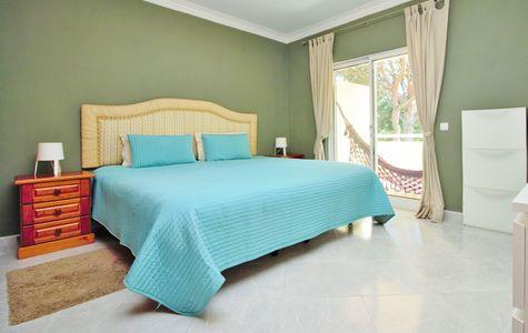 RENOVATED 5 BEDROOM LINKED-VILLA IN VILAMOURA