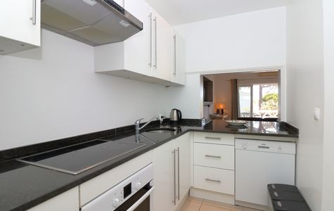 CHARMING 2 BED APARTMENT NEAR THE TENNIS CENTRE