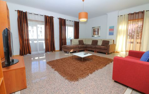 THREE BED APARTMENT IN THE HEART OF FARO