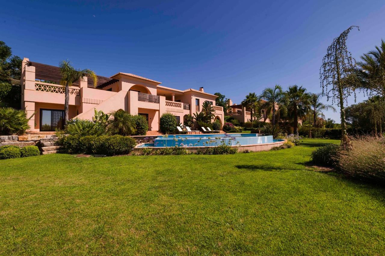 AMENDOEIRA GOLF RESORT 4 BED VILLAS WITH POOL