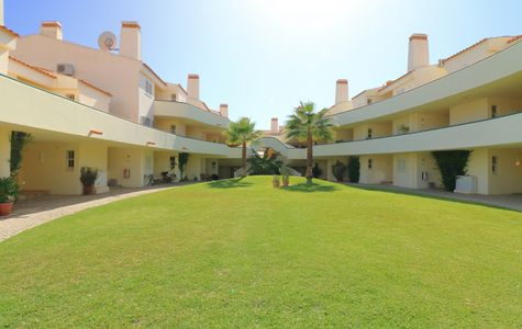 2 Bedroom Beach Apartment in the Vale do Lobo area