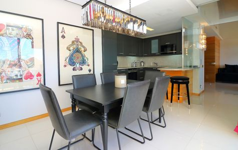MODERN 2 BEDROOM APARTMENT WITH JACUZZI