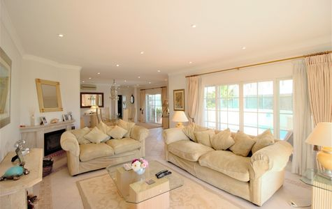 CHARMING 3 BEDROOM DUPLEX APARTMENT IN VALE DO LOBO