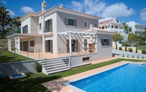 NEW 4 BEDROOM VILLA WITH COUNTRYSIDE AND OCEAN VIEWS
