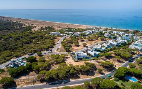 WALKING DISTANCE TO THE BEACH PLOT