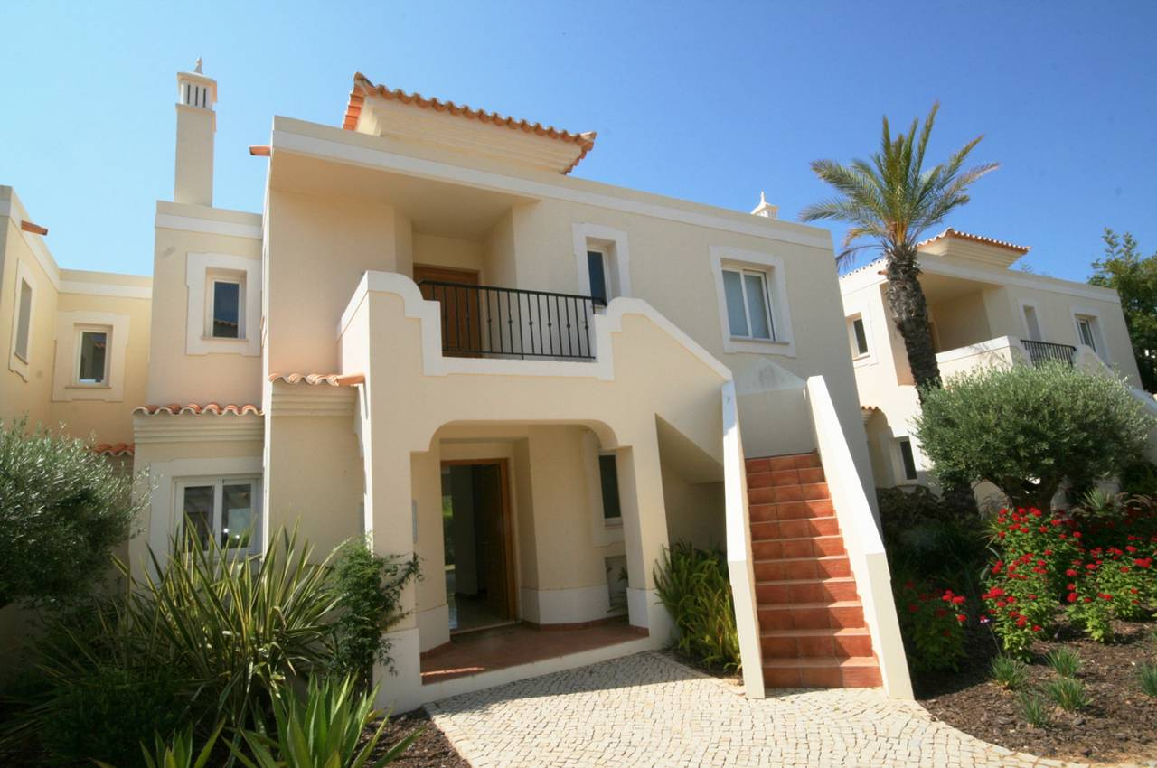 MODERN 1 BEDROOM APARTMENT CLOSE TO THE BEACH
