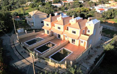 TRADITIONAL 3 BEDROOM LINKED-VILLA NEAR ALMANCIL