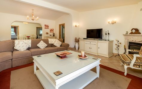 REFURBISHED VILLA IN CENTRAL AREA OF VALE DO LOBO