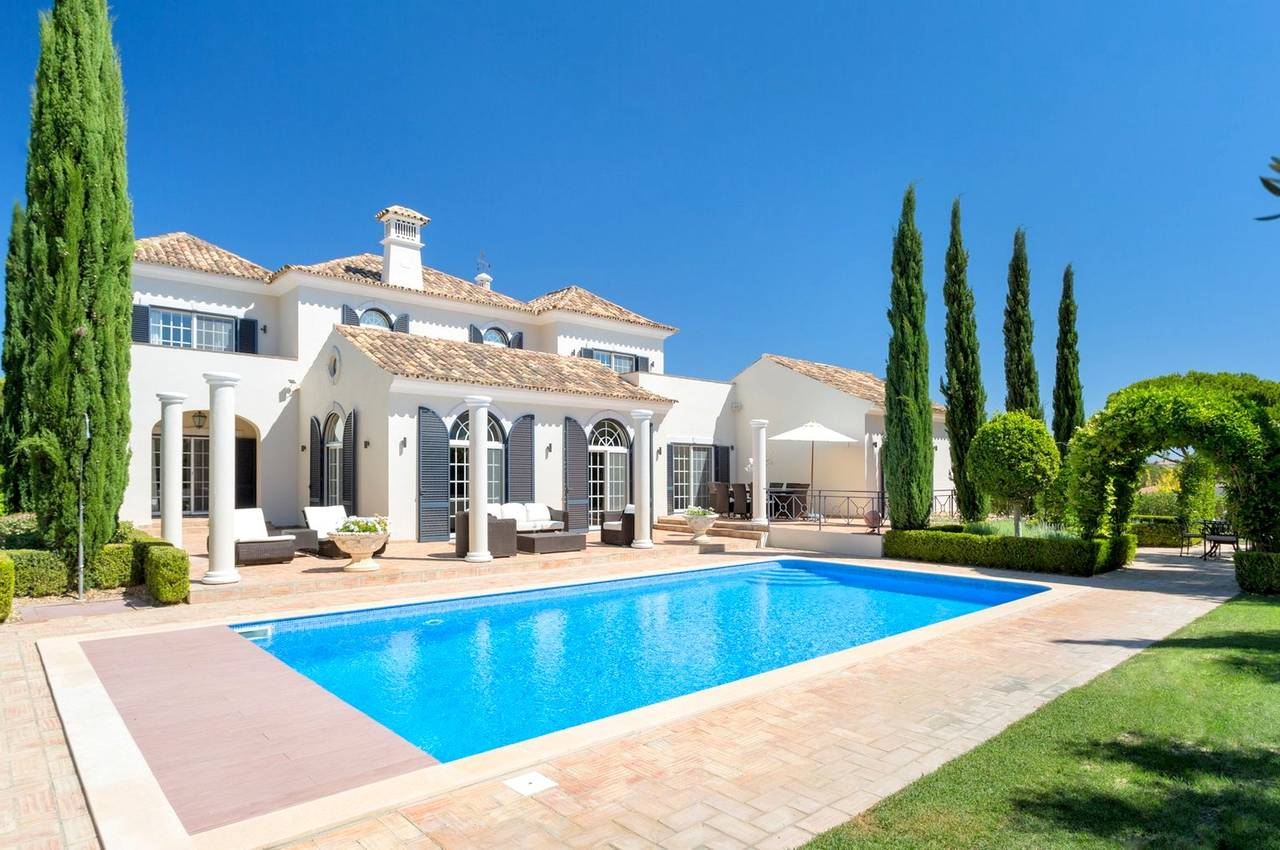 VERY PRIVATE 5 BEDROOM VILLA - QUINTA DO LAGO