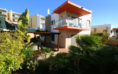 CONTEMPORARY 3 BEDROOM VILLA IN FERRAGUDO