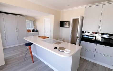 RENOVATED 3 BED VILLA WITH SEA VIEWS IN VALE DO LOBO