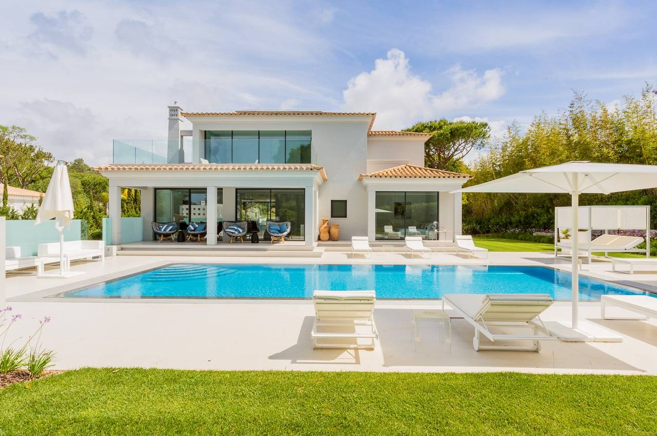 MAGNIFICENT 5 BEDROOM PROPERTY IN QUINTA DO LAGO
