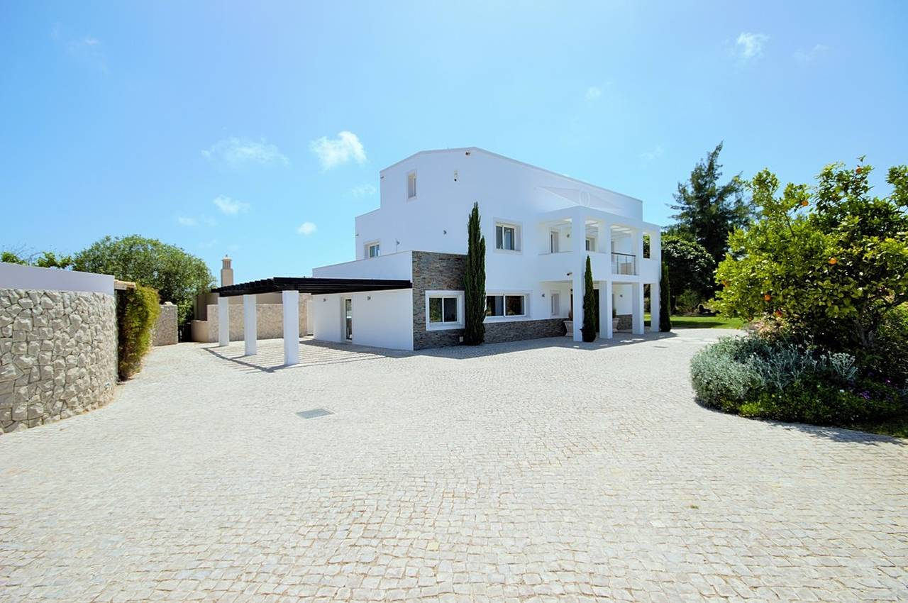 SPECTACULAR COUNTRY ESTATE NEXT TO QUINTA DO LAGO