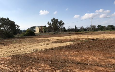 LOTES DE TERRENO COM VIABILIDADE DE CONSTRUIR EM ALMANCIL