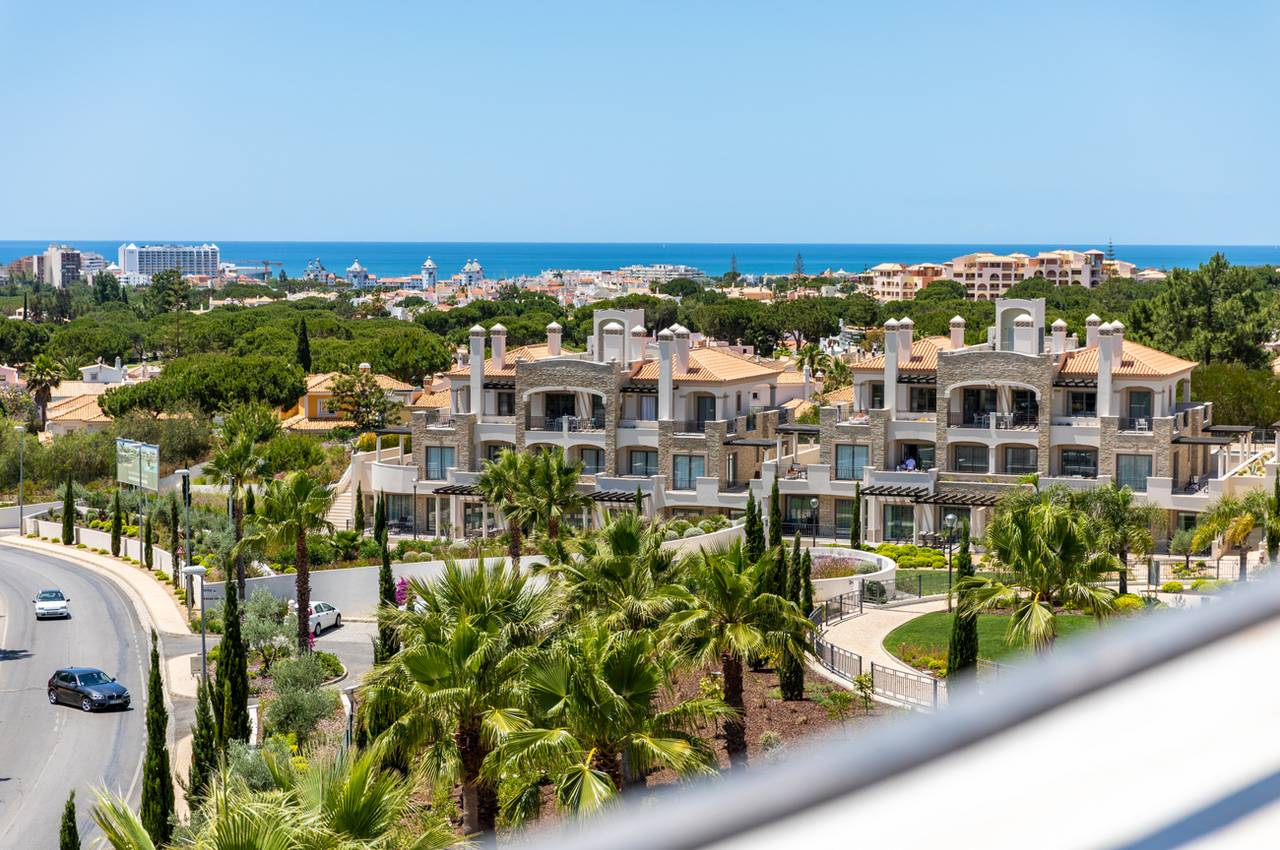 LUXURY 2 BED PENTHOUSE IN VILAMOURA