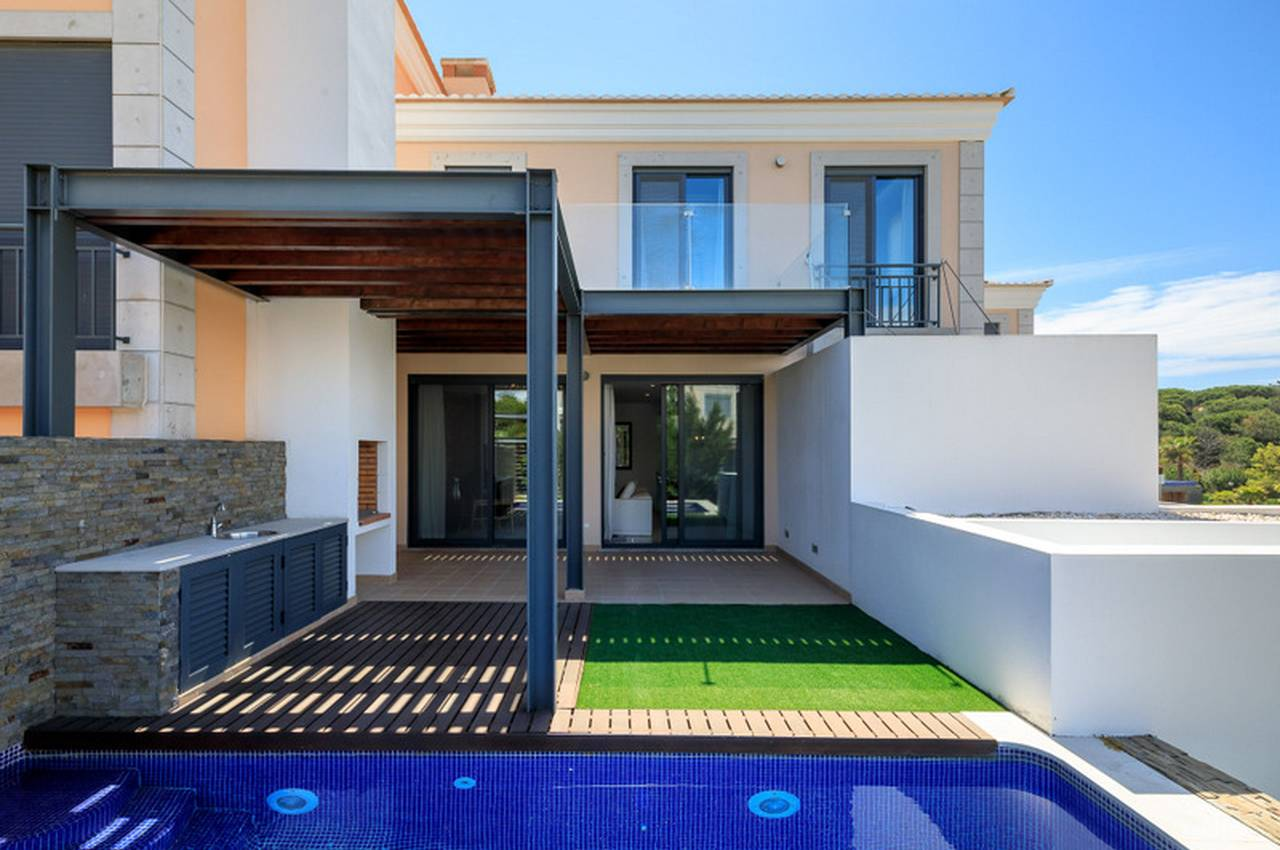 2  BEDROOM LINKED-VILLA WITH GOLF COURSE VIEWS