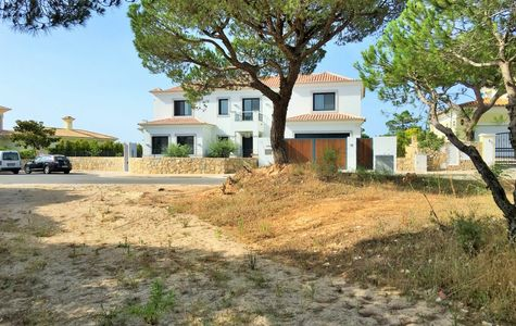 BUILDING PLOT NEAR VALE DO LOBO