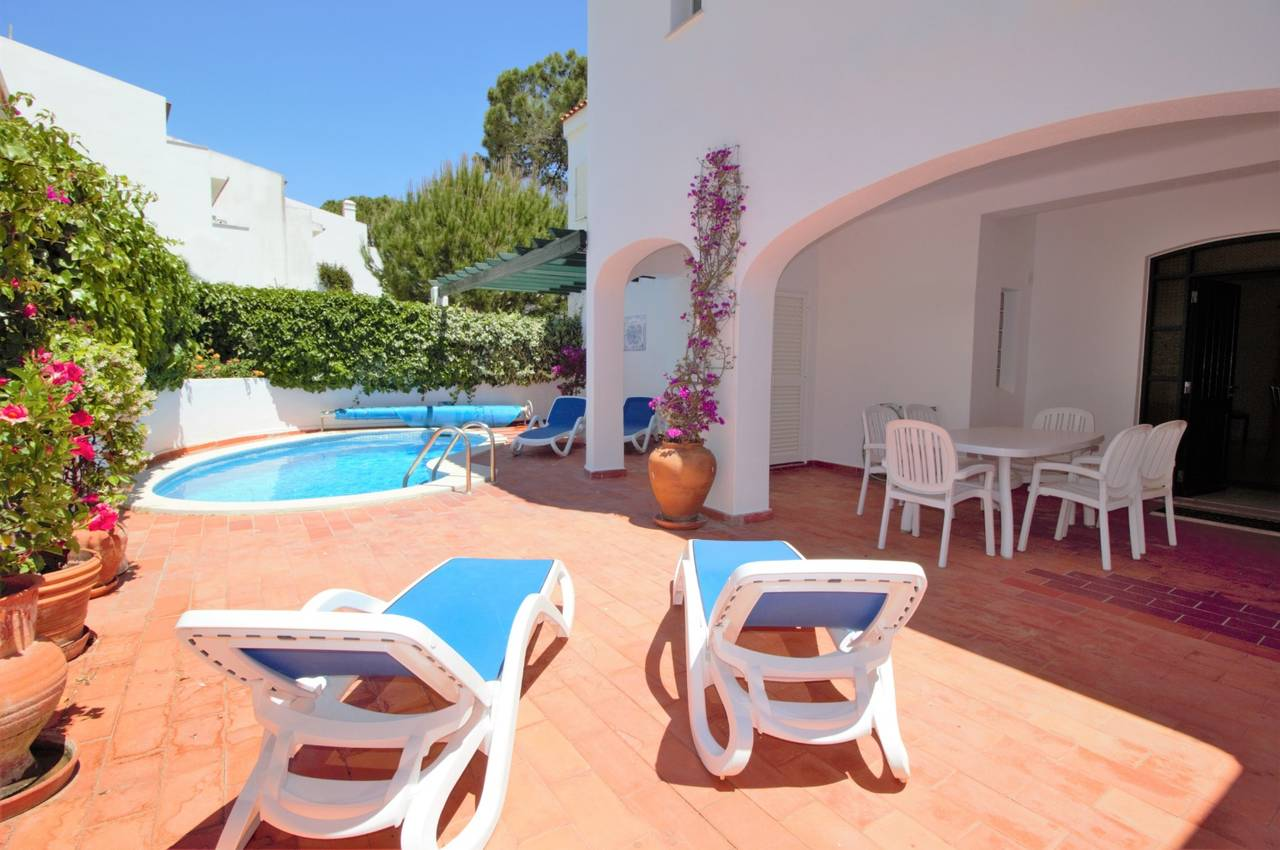 LOVELY APARTMENT WITH SWIMMING POOL IN VALE DO LOBO