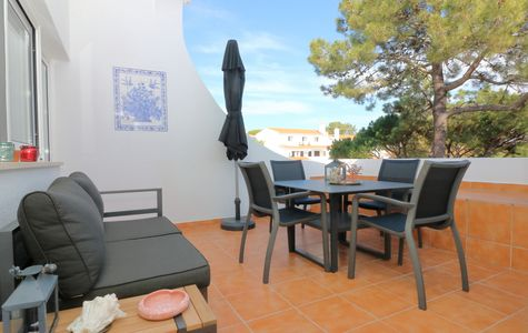 REFURBISHED 3 BED APARTMENT IN VALE DO LOBO