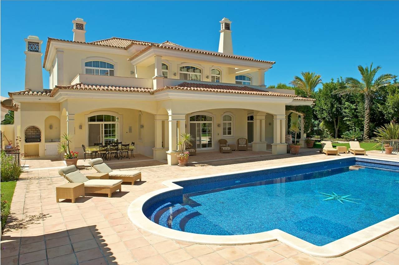 CLASSIC 5 BEDROOM VILLA WITH SEA VIEW