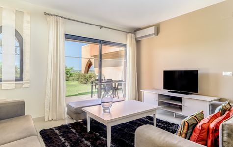 APARTAMENTOS T2 NO AMENDOEIRA GOLF RESORT