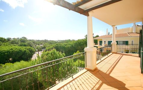 SPACIOUS 2 BEDROOM APARTMENT NEAR THE TENNIS ACADEMY