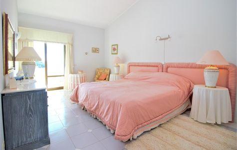 SUPERB 3 BEDROOM APARTMENT IN VALE DO LOBO