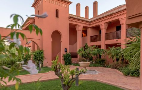 AMENDOEIRA GOLF RESORT 2+1 BED APARTMENT
