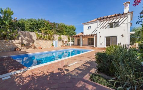 SOUTH FACING VILLA CLOSE TO QUINTA DO LAGO
