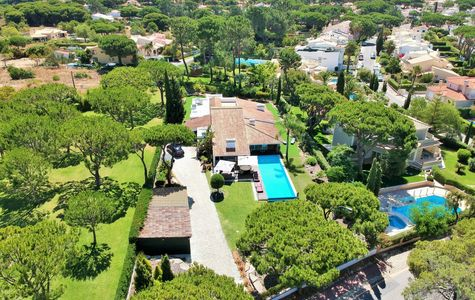 MAGNIFICENT 4 BEDROOM VILLA IN VILAMOURA